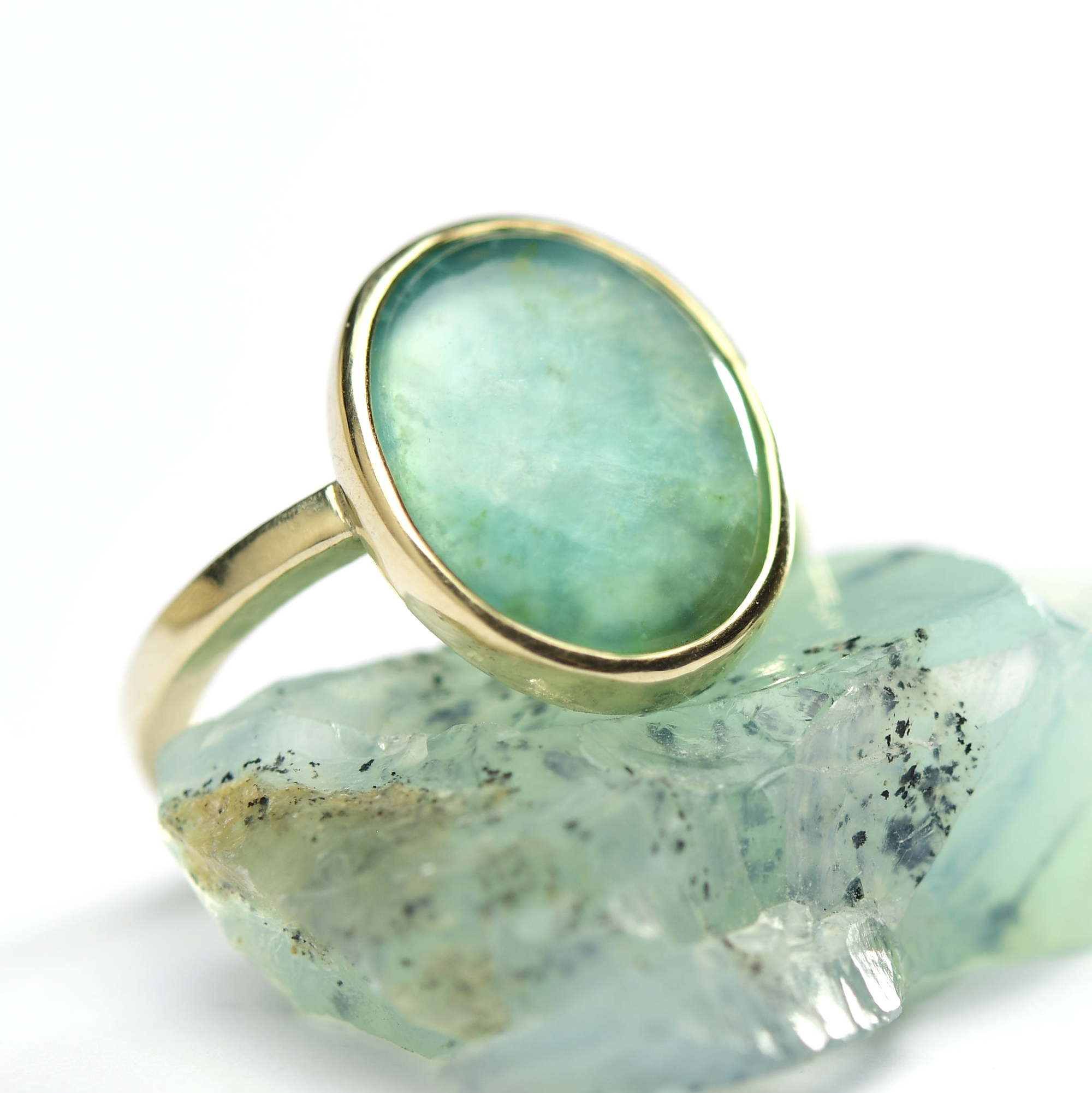 blauwe andes opaal gouden ring